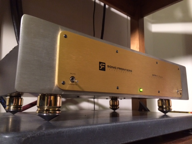 Sonic Frontiers SFP-1 Signature & Amcan Audio Brass Footers with Steel cones